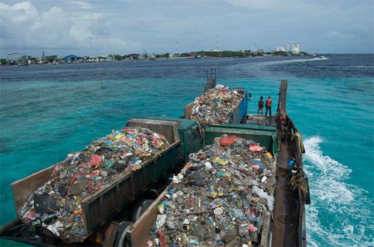 MALDIVES: THILAFUSHI, THE ISLAND OF GARBAGE - Images | GIULIO ...